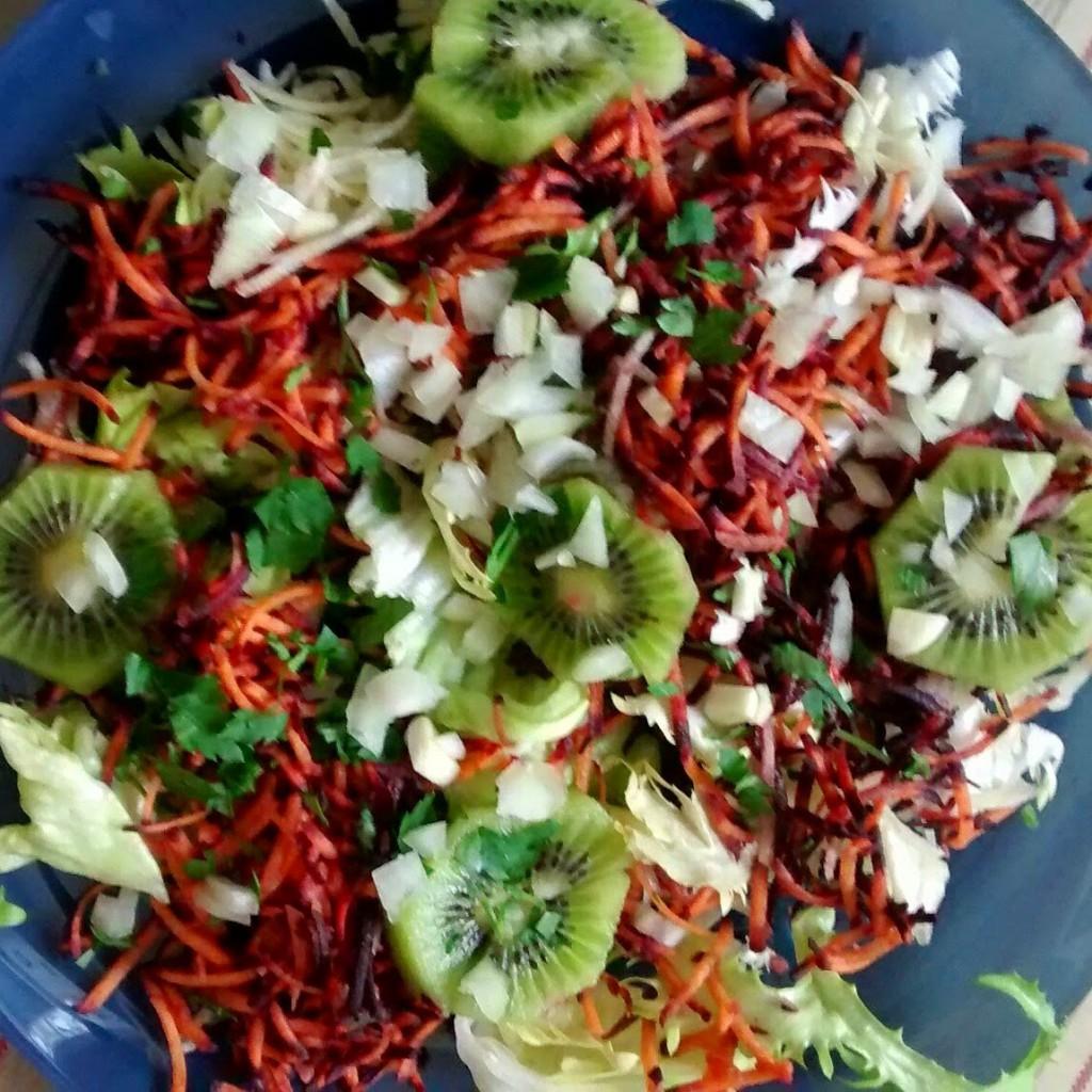 carottes colorées kiwi salade oignon ail persil